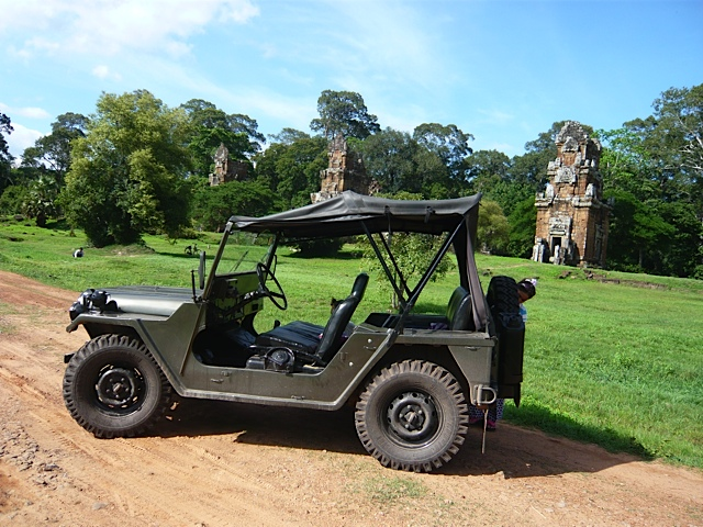 Angkor Wat by Jeep! One Day, Small Circuit - Backpackerbookings