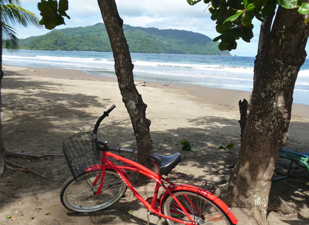 bicycle-on-the-beach