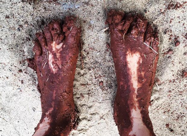 Feet Dirty